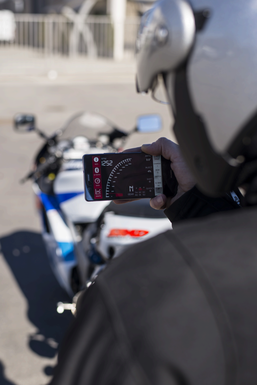 BLUEBIKE and RaceTime bring your performance alive on a smartphone